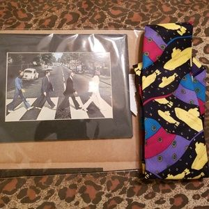 Beatles yellow submarine tie meant with picture